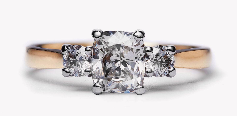 Laura-Thomas-Engagement-Ring-1440x704
